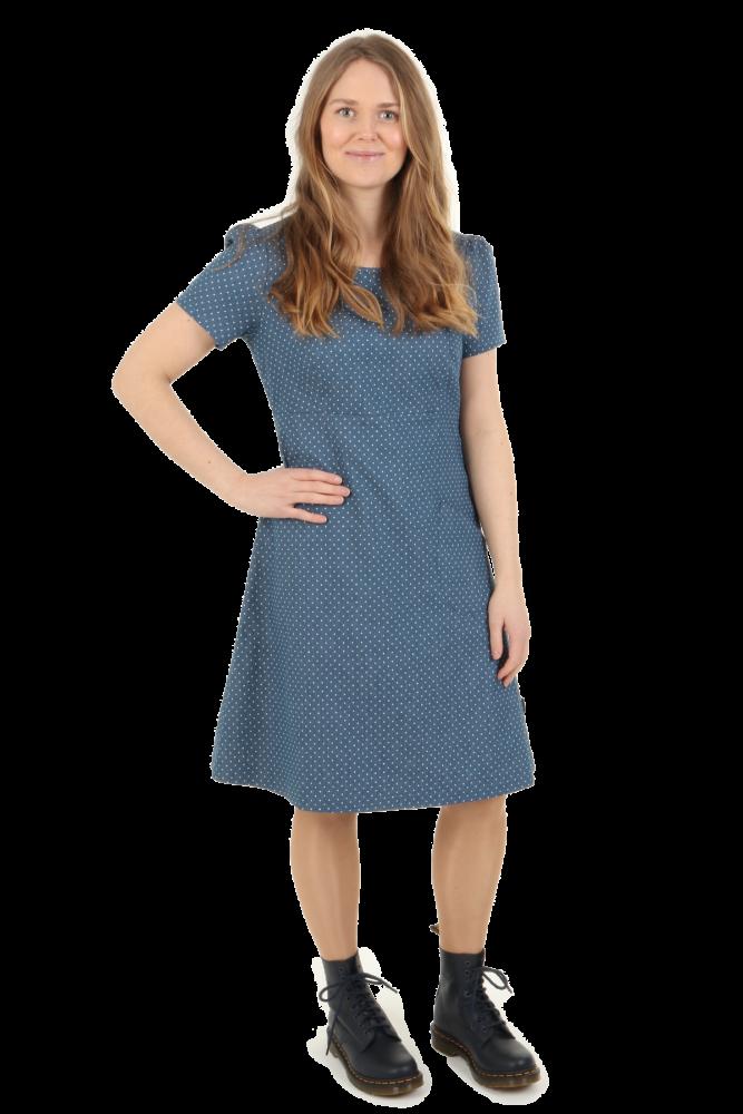 e5d020de5367 Blå prikket jeansfarget kjole